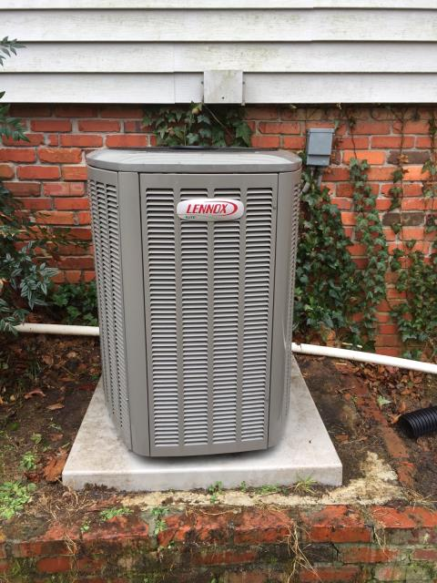 Lincoln, AL - Cleaned and sanitized the 2009 Heil air conditioning unit with Zep con-coil cleaner.