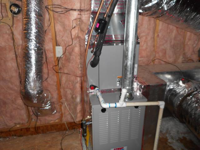 Hueytown, AL - Installed new 2017 air condensing unit with heat pump. 12yr warranty on parts and labor.