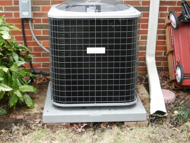 Montevallo, AL - Cleaned and sanitized the Heil 2012 air condensing unit with heat pump, no repairs needed. Cleaned condensation drain.