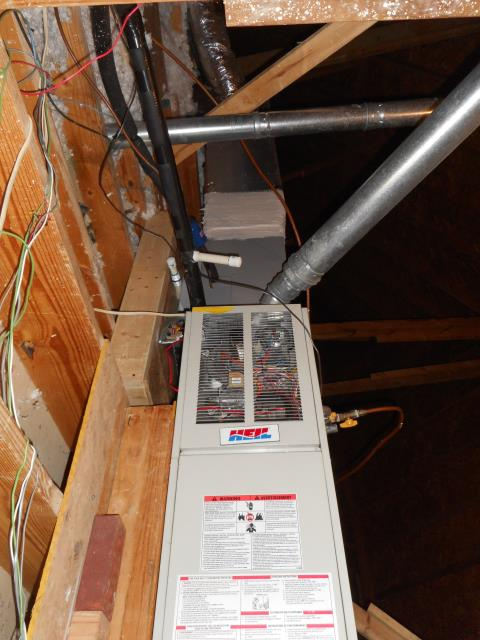 Warrior, AL - Cleaned and sanitized the Heil 2007 air condensing unit with a heat pump. Checked ducts for build up,