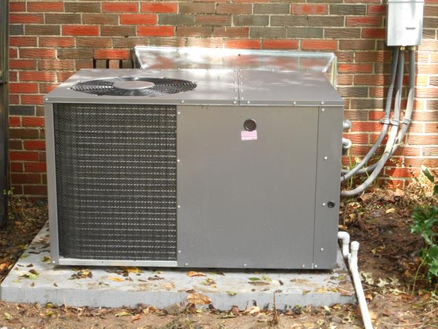 Kimberly, AL - Service work performed for the Heil 2013 air condensing unit with Zep con-coil cleaner, no repairs needed.