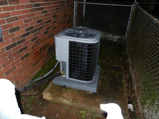 Springville, AL - Cleaned and sanitized the Heil 2015 air condensing unit with Zep con-coil cleaner, no repairs needed. checked ducts for build up, also checked gas lines for leaks.