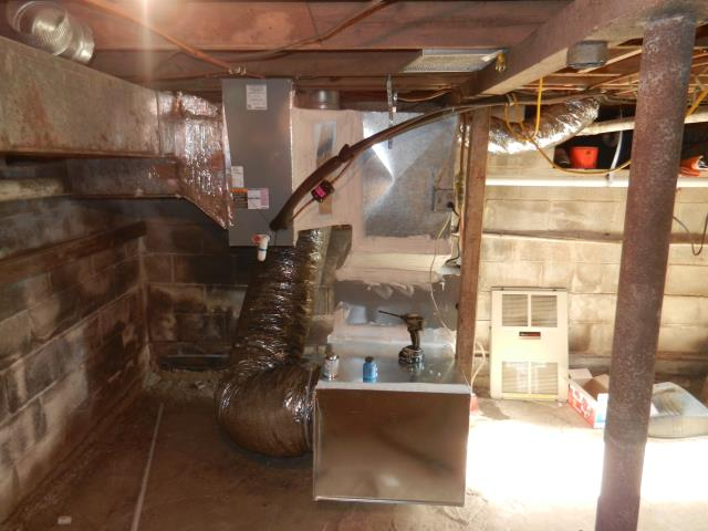Trussville, AL - Cleaned and safety checked Heil air condensing unit with Zep con-coil cleaner no repairs needed.