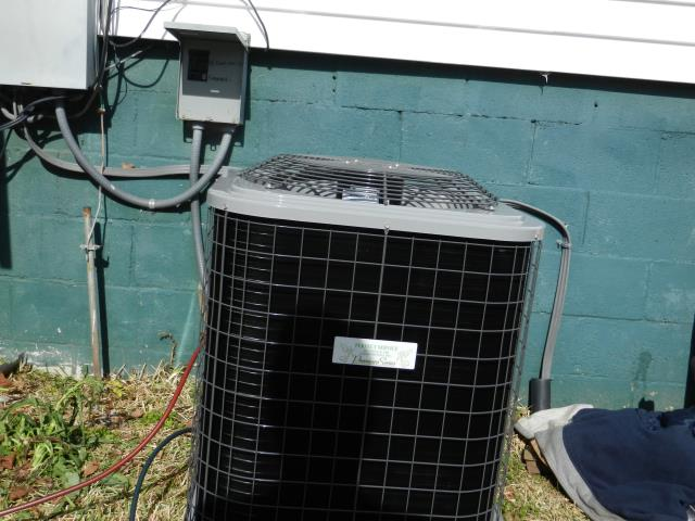 Calera, AL - Service work completed for the Heil 2010 air condensing unit with heat pump. Cleaned condensation drain with Zep con-coil cleaner.