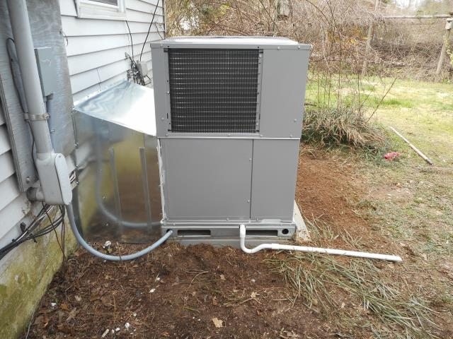 Safety check completed for the Heil air conditioning unit with Zep con-coil cleaner lubricated moving parts and checked the thermostat for wear. Best heating and cooling company in Ashville, Al