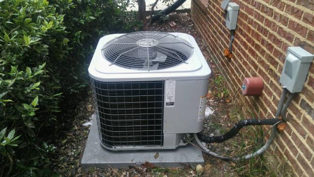 Remlap, AL - Completed cleaning for Heil 2014 air condensing unit with Zep con-coil cleaner. Cleaned air filters, no repairs needed