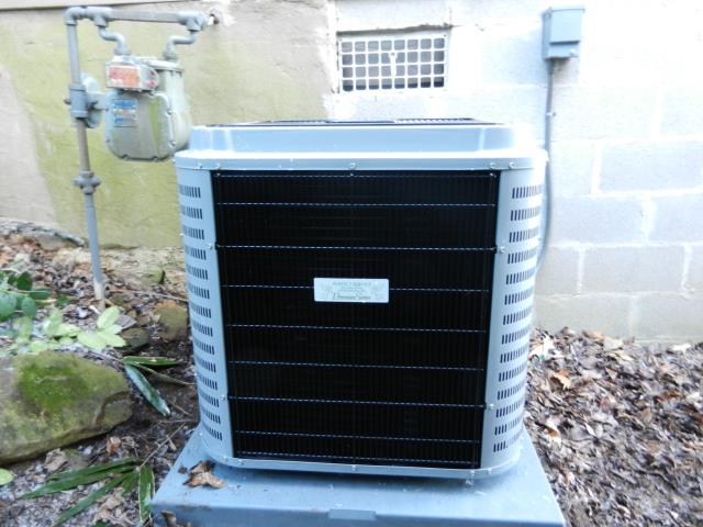 Center Point, AL - Adjusted blower motors, cleaned condensation drain, checked ducts for build up. Best HVAC work in Centerpoint area.