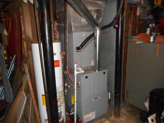 Pinson, AL - Service work performed for the Heil air condensing unit with a heat pump.