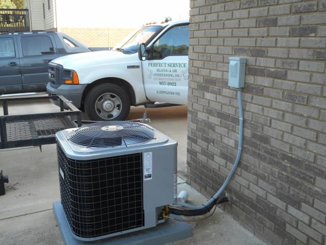 Service work completed for the Heil 2015 air condensing unit with heat pump.