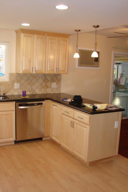 Malibu, CA - Maple kitchen cabinets