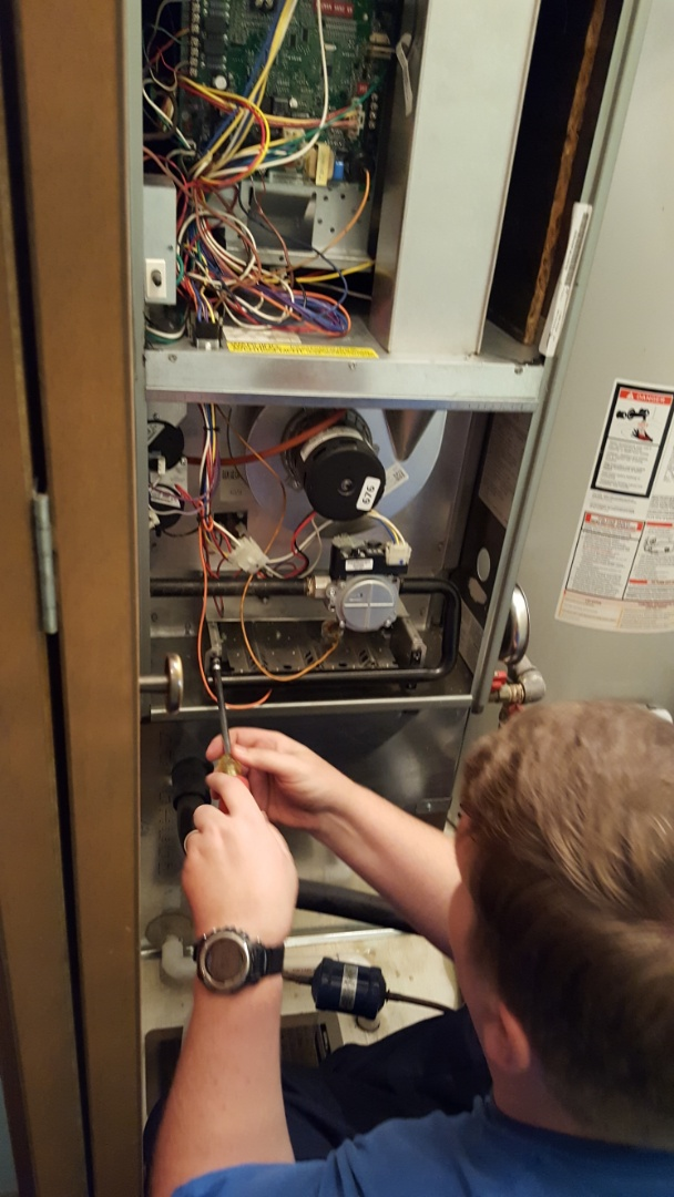 Orland Park, IL - Furnace tuneup and safety inspection