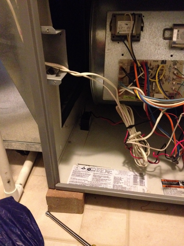 Crest Hill, IL - Comfortmaker furnace clean and check with Global Plasma Solutions quality air box installation