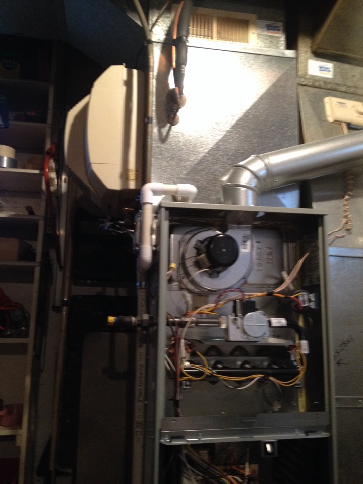 Oak Lawn, IL - Trane furnace clean and check and Aprilaire Humidifier inspection.