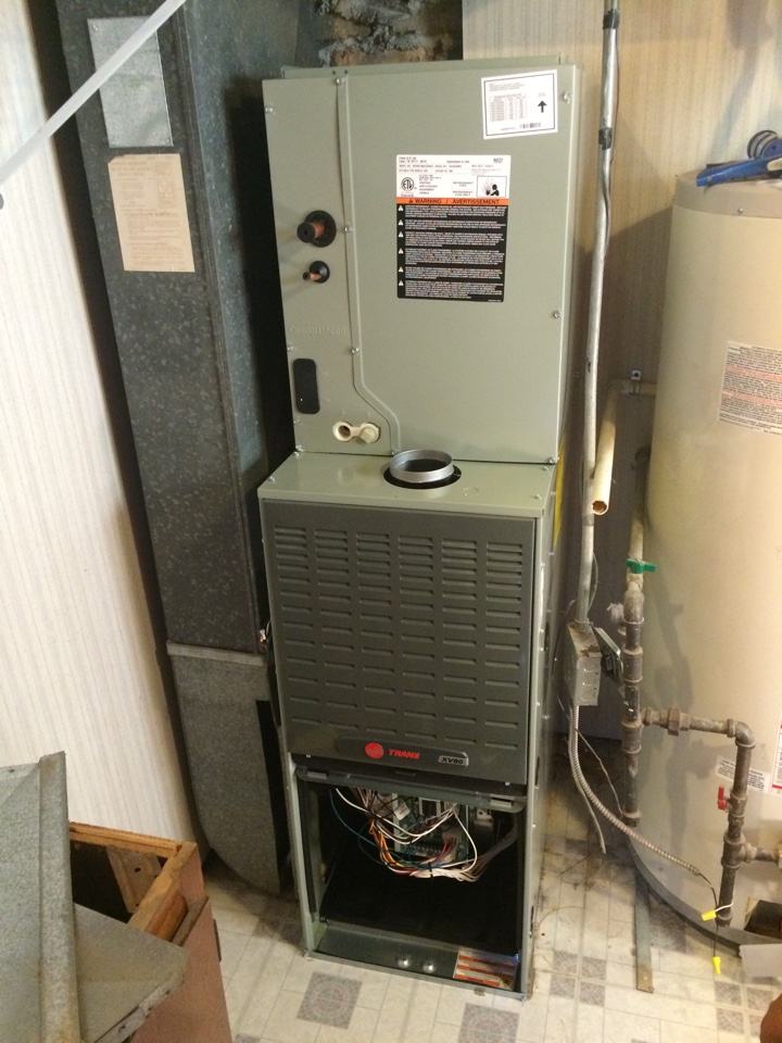 Tinley Park, IL - Trane xv80 furnace installation.