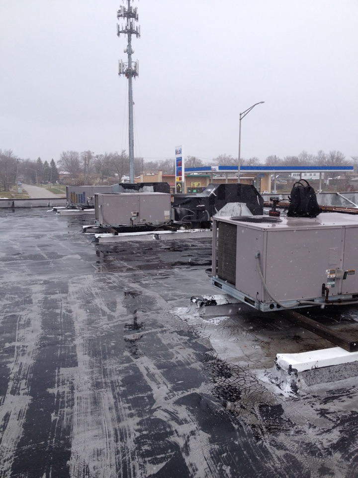 Chicago Heights, IL - Carrier rooftop service