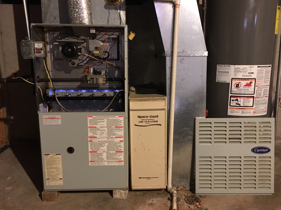 Monee, IL - Clean and checked a Carrier Furnace with a popup2200 Honeywell filter and a Aprilair Humidifier system