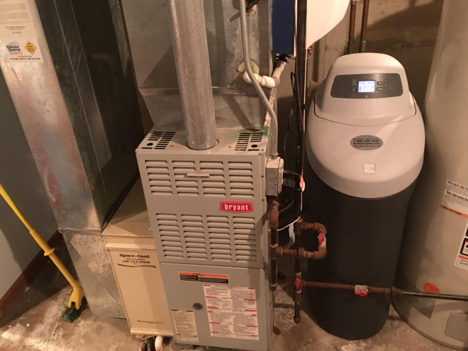 Monee, IL - Clean and check on Bryant furnace with Honeywell humidifier