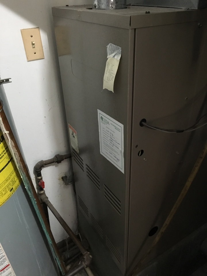 Richton Park, IL - Trying to figure out intermittent problem in Janitrol furnace