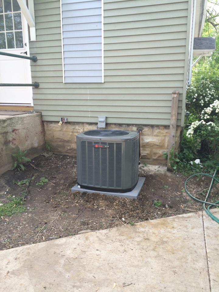 Lockport, IL - Residential Trane ac install.