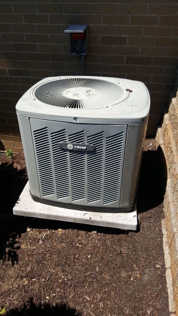 Frankfort, IL - AC installation call. Replacing old AC unit and installing brand new Trane AC unit