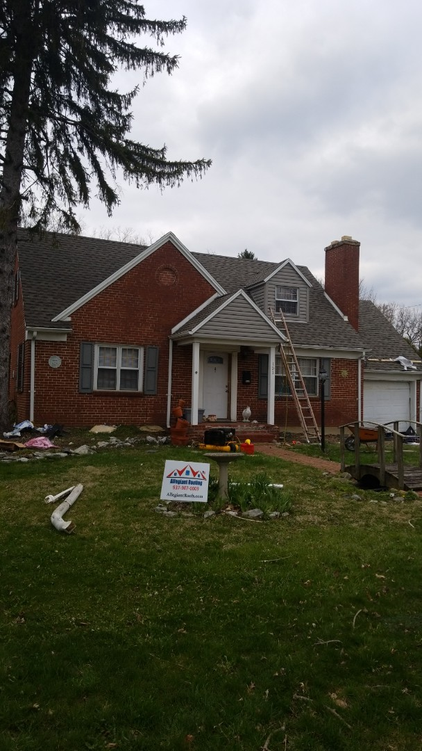 Kettering, OH - Wrapping up a roof replacement in Kettering! This is a GAF Timberline HD shingle.