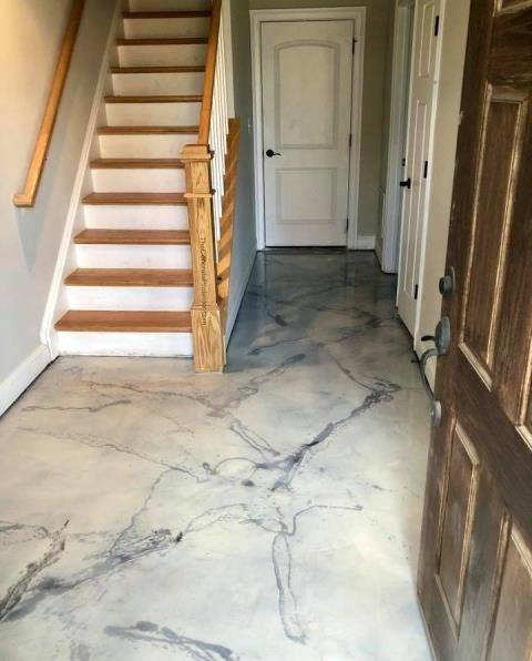 Horseshoe Bend, ID - Lovely hallway! Probably the best area in the house because of the stunning marble floor! Great entranceway to wow visitors right when they walk through the door! If you need decorative flooring done, and you want quality work, I'd go to Xtreme Epoxy Idaho! Without a doubt!