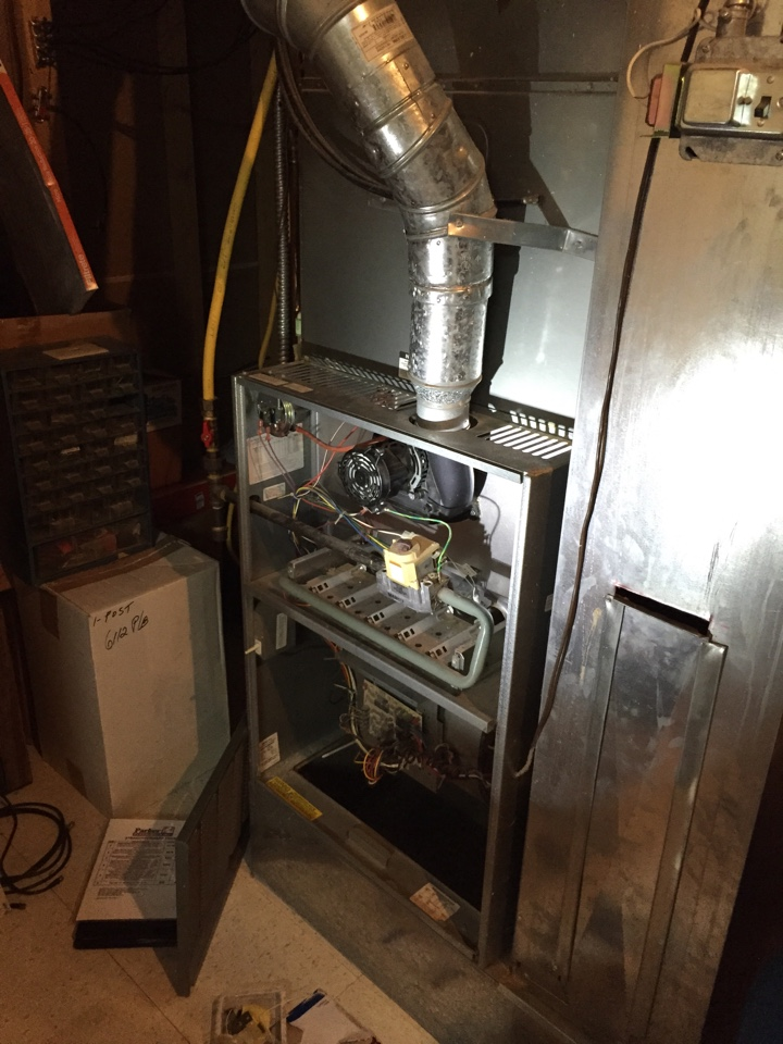 Lone Tree, CO - Lone Tree area, Rheem furnace not igniting gas due to a failed igniter. Furnace and AC will be cleaned and tuned next week to extend their useful service life.