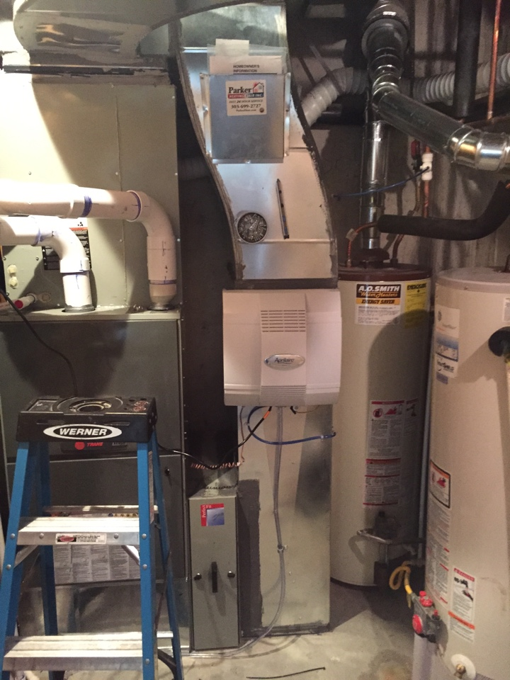 Centennial, CO - Install new fan powered Aprilaire humidifier on new ductwork attached to new Trane furnace and air conditioner.