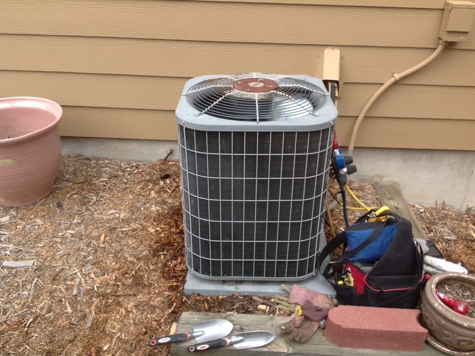 Littleton, CO - Carrier air conditioner tune up