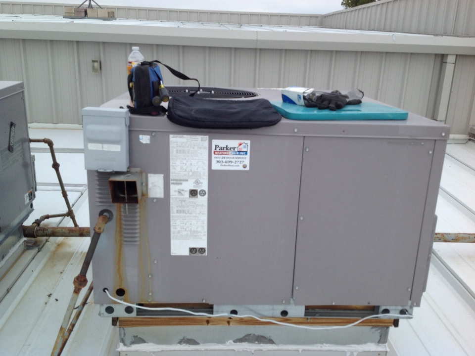 Centennial, CO - Replaced roof top unit fan motor and capacitor