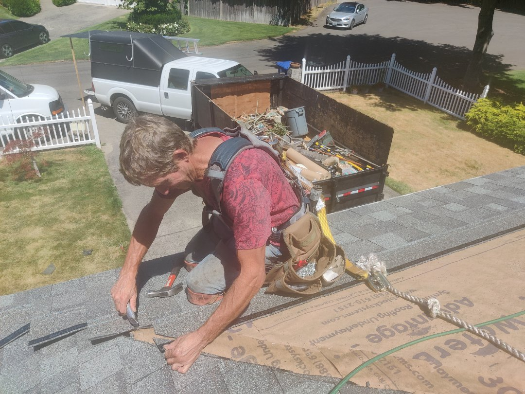 Puyallup, WA - Installing Certainteed Landmark 30 year shingle in the color of Georgetown Gray.