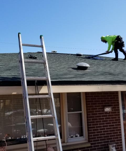 Milwaukee, WI - New GAF Timberline HD Lifetime asphalt shingles for residential home in Milwaukee, WI.