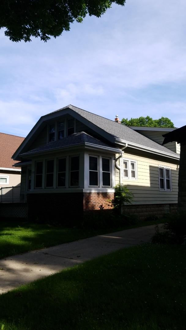 Milwaukee, WI - New roof on residential duplex in Bay View