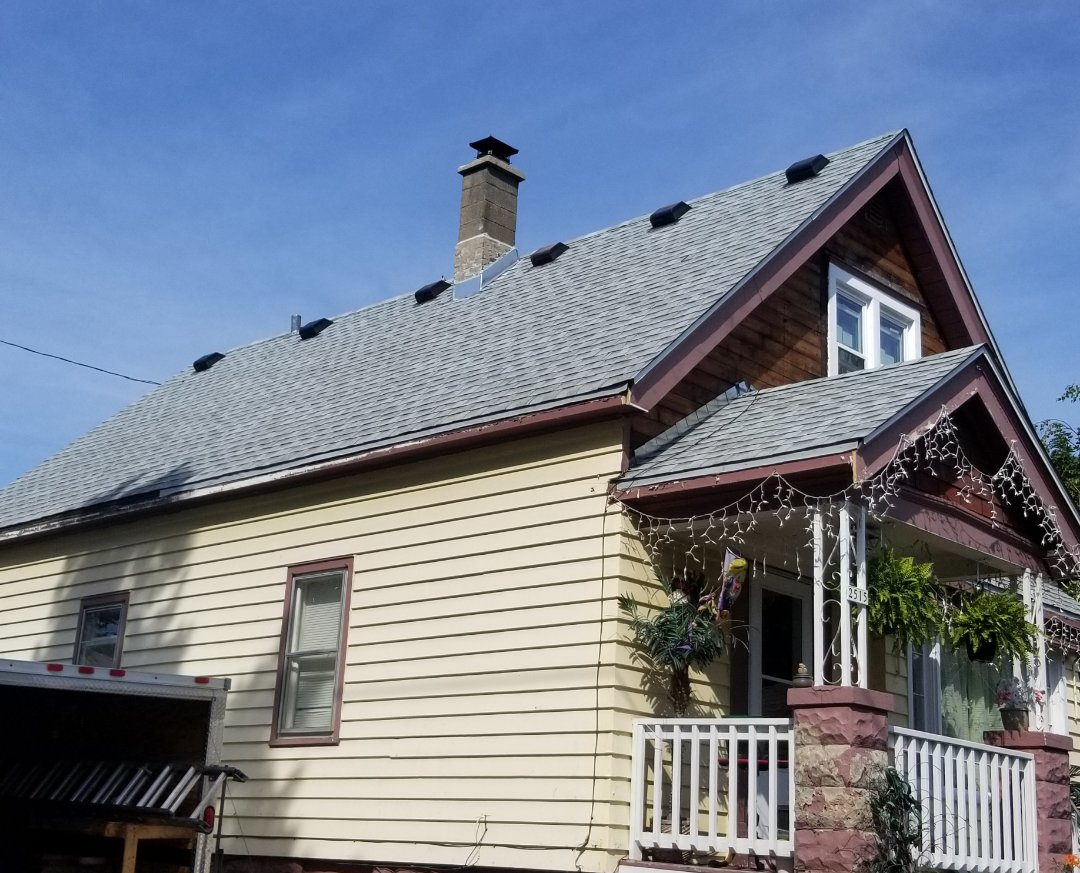 Milwaukee, WI - New residential roof on S 18th St.