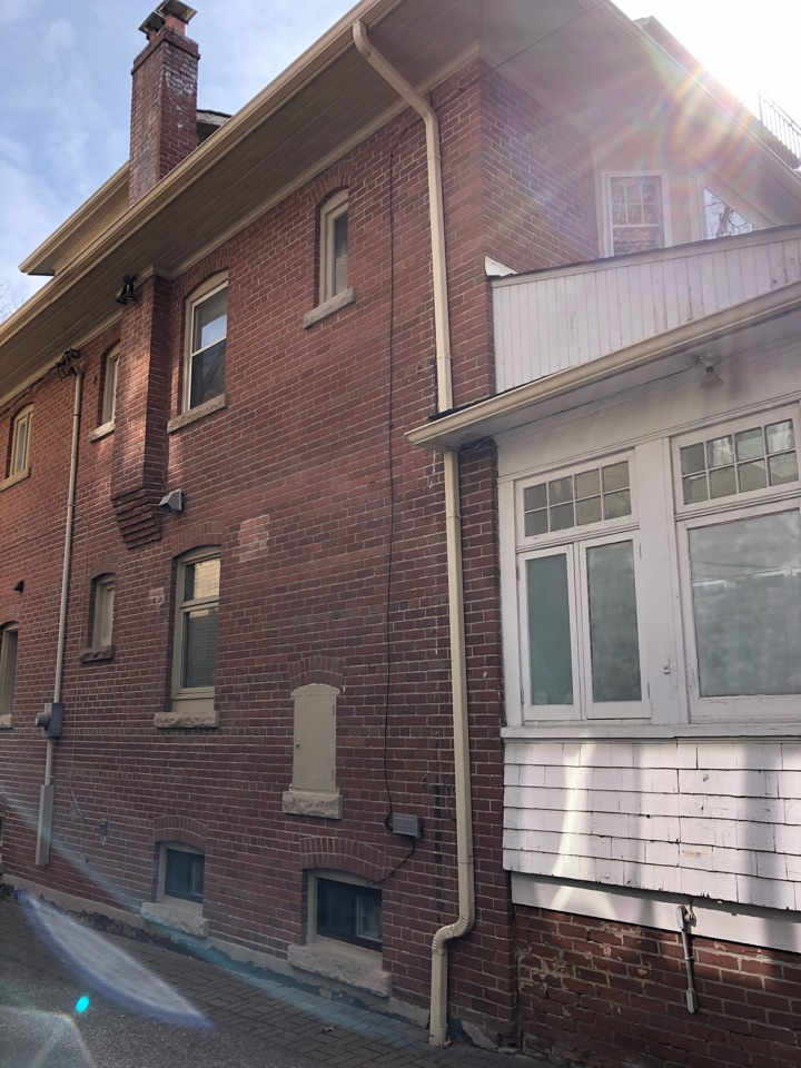 Old Toronto, ON - Quoting a Daikin Ductless Air Conditioner for a long time homeowner in Toronto!
