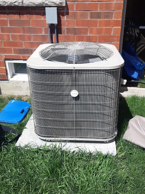 Ac tune up on a carrier payne unit here in Brampton