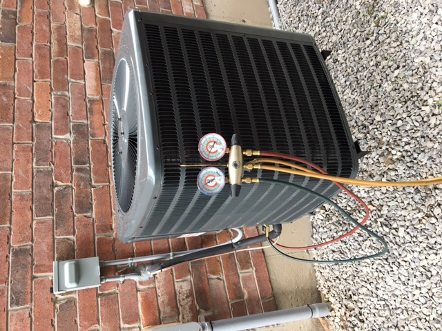 East Gwillimbury, ON - Installed a new Goodman 2 Ton 13 SEER Air Conditioner for one of our new homeowners!