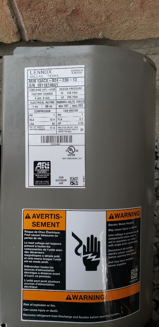 Scarborough, ON - Performing yearly maintenance on the furnace and a/c.  Lennox 2 ton a/c. 70,000 btu Lennox furnace. Also diagnostic on a Generalaire humidifier.