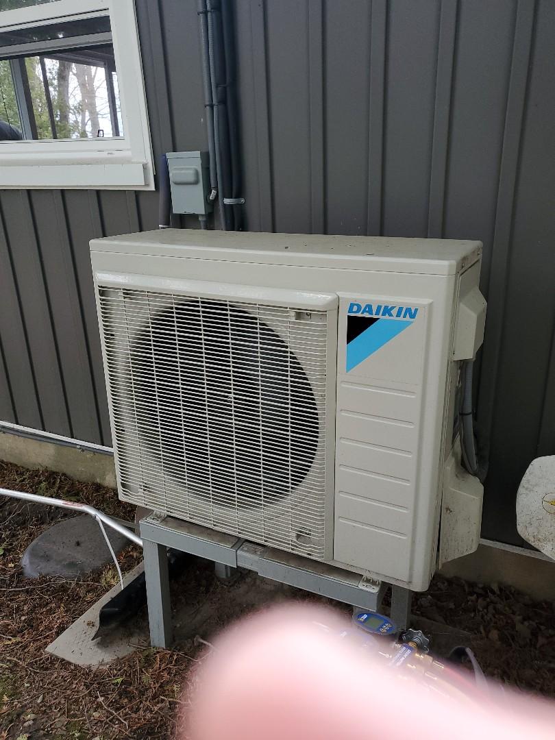 Daikin heat pump service