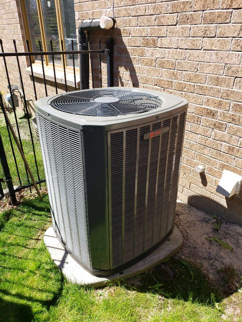 Mississauga, ON - AC maintenance on Trane unit in Mississauga