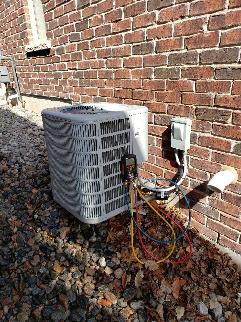Orangeville, ON - AC maintenance on Aire-Flo unit