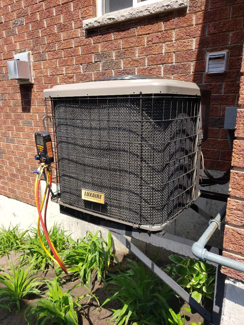 Angus, ON - AC maintenance on Luxaire unit