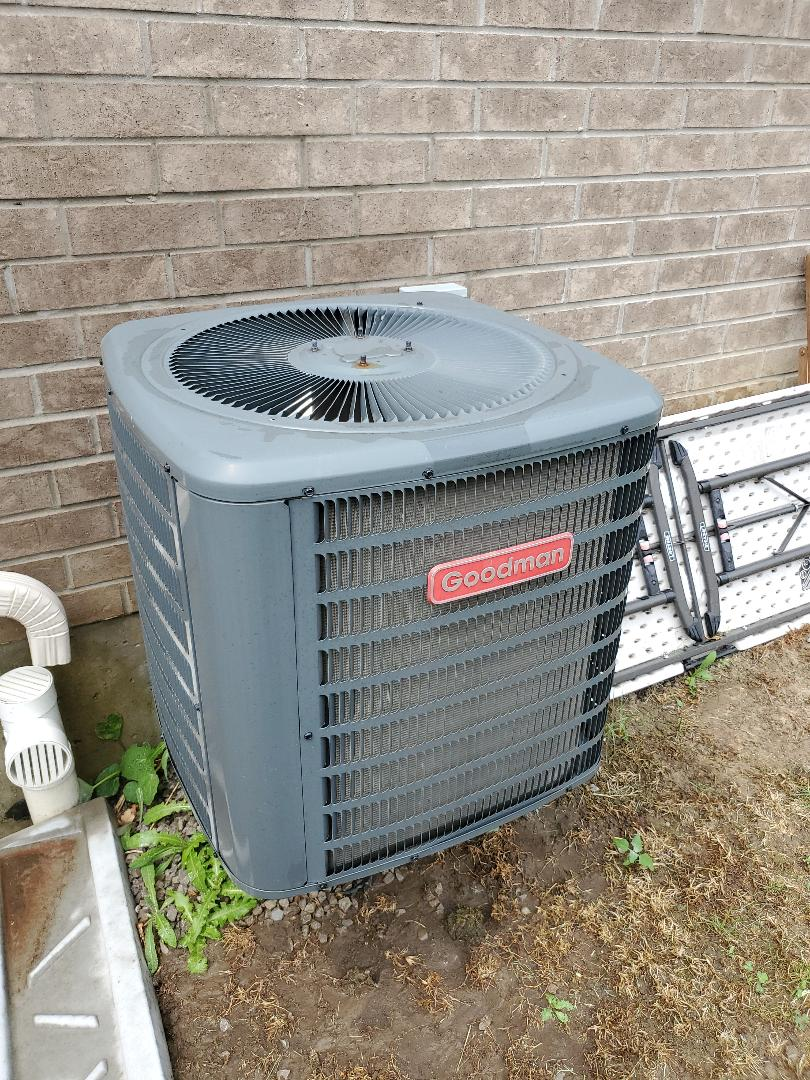 Vaughan, ON - AC tune up on a Goodman unit in Vaughan