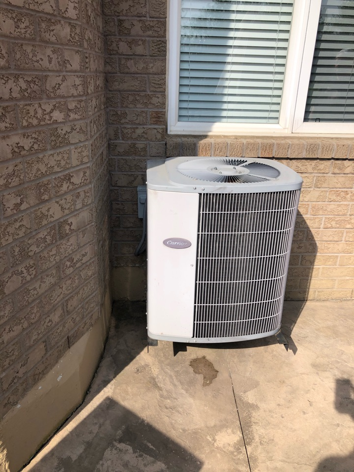 Vaughan, ON - Replacing existing carrier air conditioner with a new Goodman GSX 16 3 ton air conditioner to match the existing Goodman furnace for one of our clients and Maple.