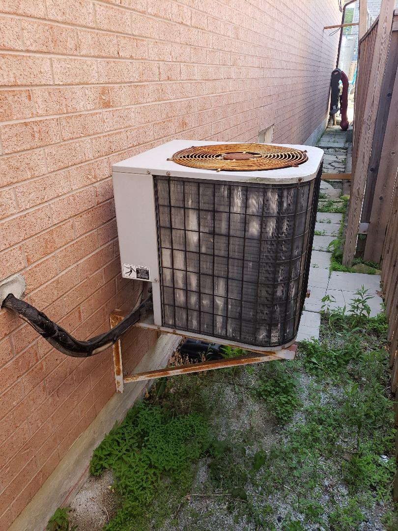 AC maintenance on old R22 unit
