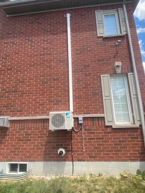 Mississauga, ON - INSTALLED A DAIKIN DUCTLESS 19 SEER 9,000BTU AIR CONDITIONER AND NEW EVAPORATOR COIL AND HUMIDIFIER FOR A VALUED CLIENT IN MISSISSAUGA!