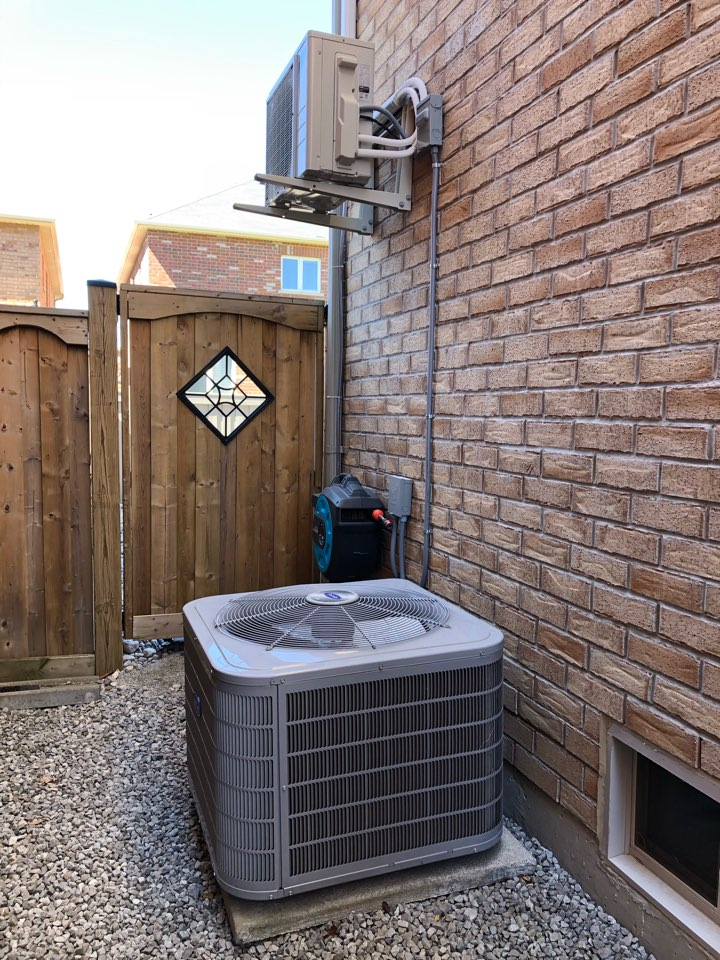 Replacing Carrier Air Conditioner with new Daikin FIT air conditioner for existing customer in Milton.