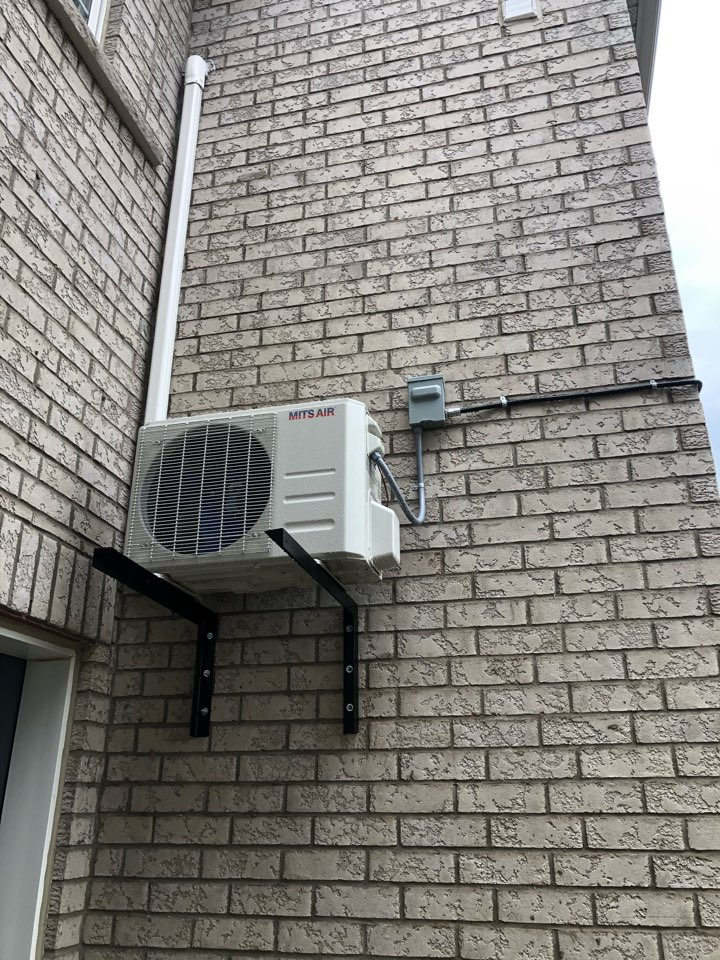 Installed a Mitsubishi air conditioner for an existing customer in Markham.
