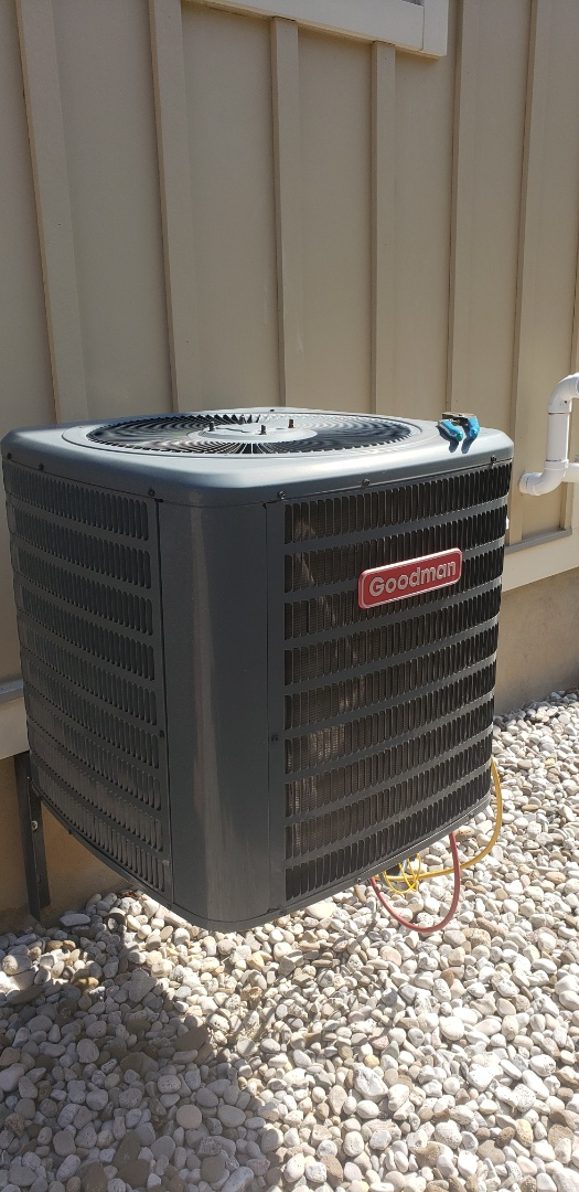Diagnostic on a Goodman 2.5 ton air conditioner in Milton. Explained operation and maintenance on HVAC equipment.