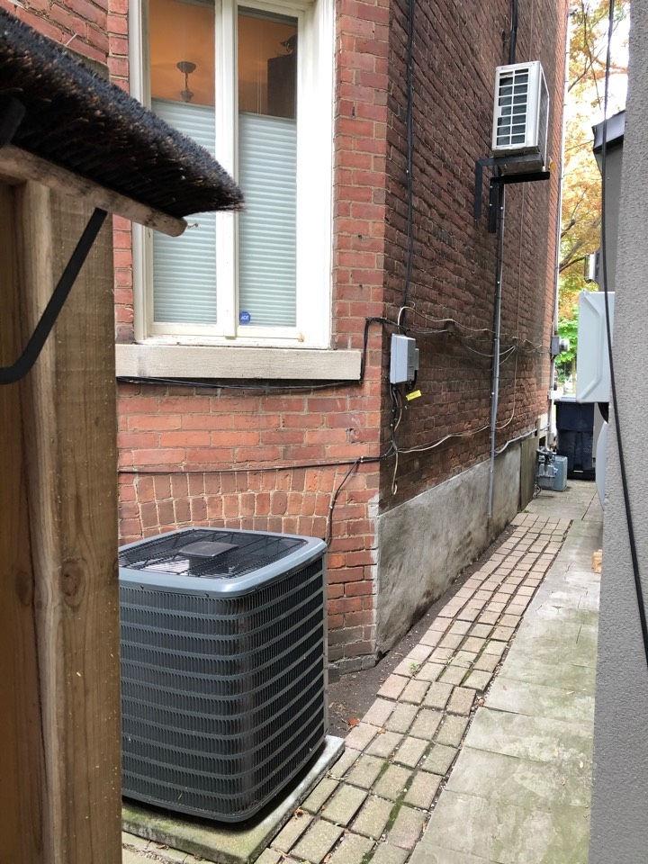 Quoting another Daikin Ductless air conditioning unit for a homeowner of ours in Toronto that already purchased one last summer because they loved it so much!